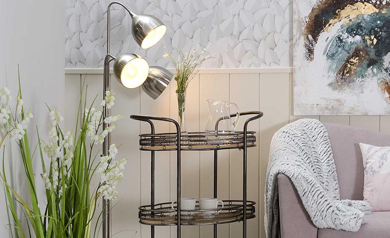 Topla Svetloba Proti Hladni - Kako Notranjo Osvetlitev Izkoristiti Sebi v Prid