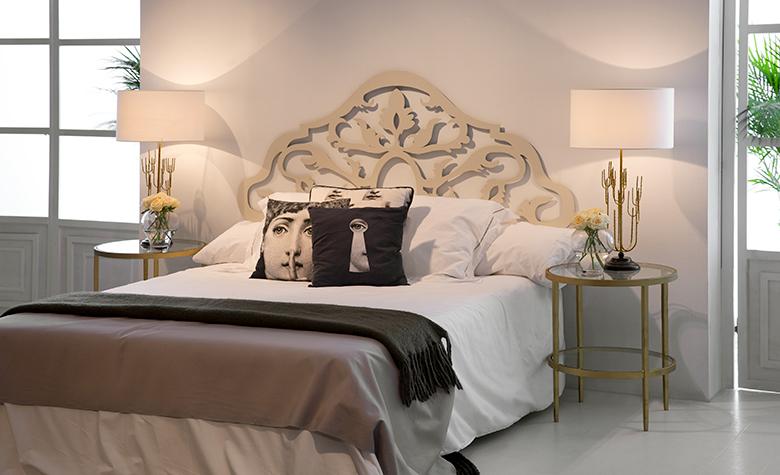 Namestitev spalnice: namestitev postelje v skladu z nebesnimi stranmi sveta in drugimi 7 načeli feng shuija